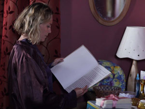 Janine comes across Lydia's will. She can't stop herself from taking a look.