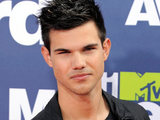 Taylor Lautner at the MTV Movie Awards 2011