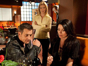 Leanne walks into the Bistro and spots Peter and Carla