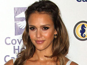 Jessica Alba at the Covenant House 2011 Gala and Awawrds Dinner, Los Angeles