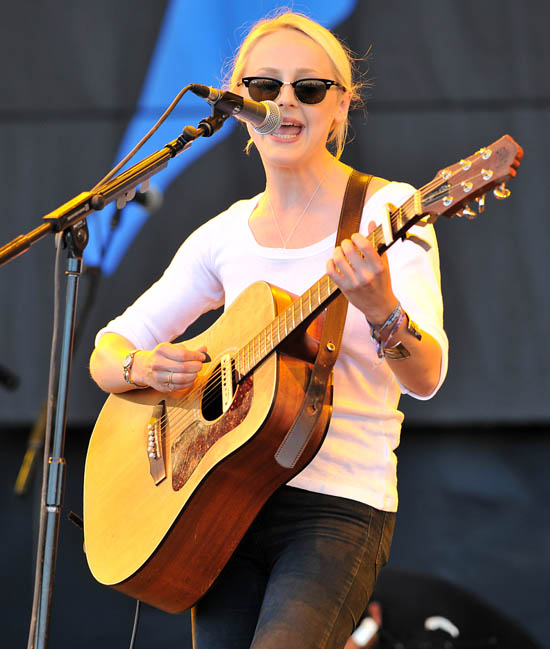 Glastonbury 2011, Laura Marling