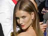 Rosie Huntington-Whitely hits the green carpet for the Russian premiere.