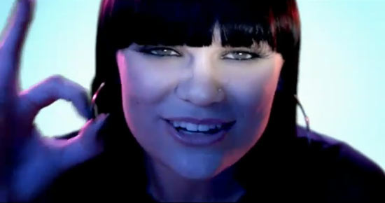 Jessie J doing a hand gesture in Price Tag video