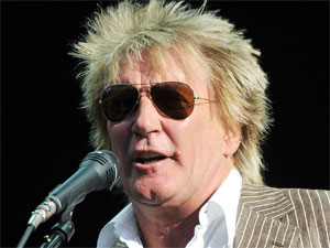 Rod Stewart introduces Stevie Nicks at Hyde Parks Hard Rock Calling, London