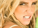 Ke$ha blames the traffic for her need to relieve herself on the sidewalk.