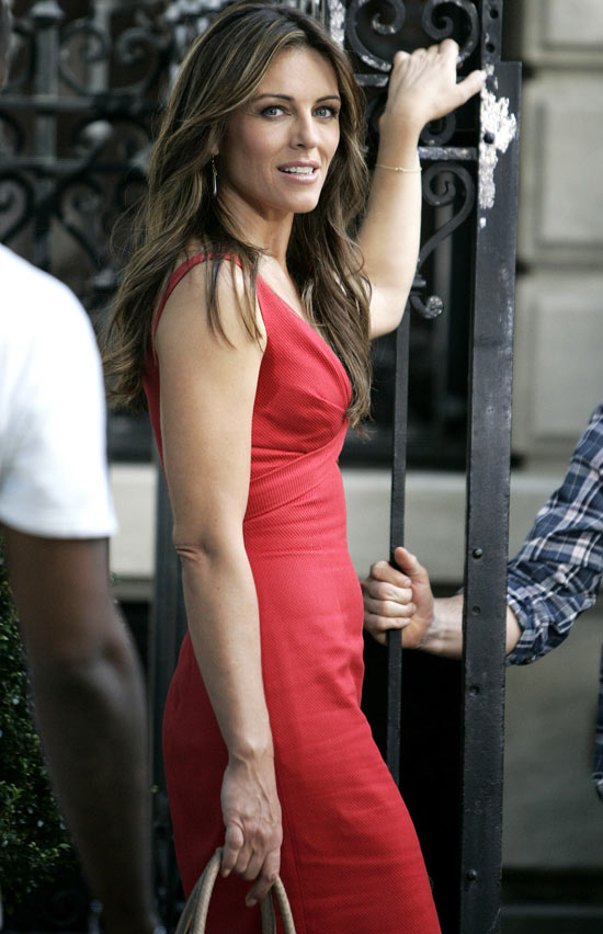 Liz Hurley on the Gossip Girl set