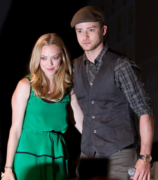 Amanda Seyfreid and Justin Timberlake