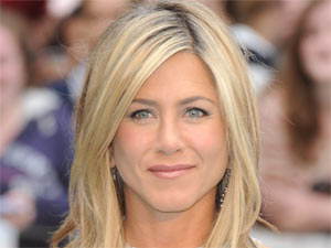 Jennifer Aniston attending the London premiere of 'Horrible Bosses'