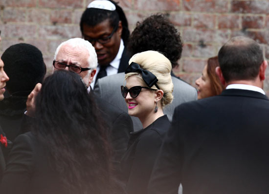 Kelly Osborne at Amy Winehouse's cremation