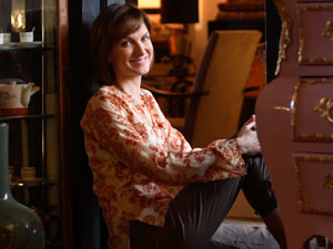 Fiona Bruce hosts Antiques Roadshow