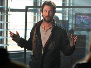 Falling Skies S01E09-10 Season Finale: 'Eight Hours'