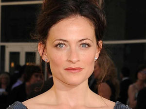 Lara Pulver
