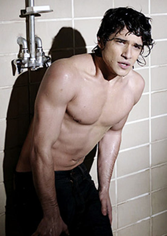 [Image: 550w_gs_tyler_posey_1.jpg]