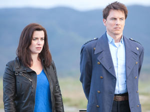 Gwen and Jack in Torchwood: Miracle Day S04E07