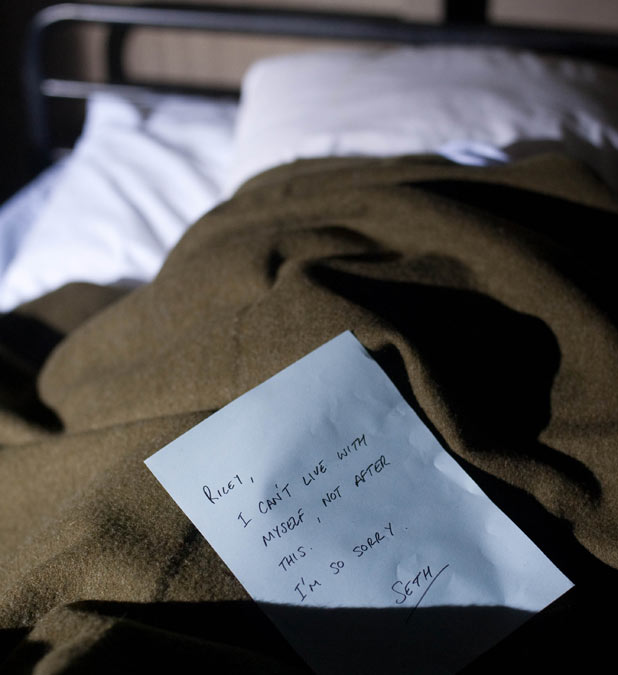 Hollyoaks Later - Seth Costello (Miles Higson) needs Warren Fox's (Jamie Lomas) help after waking up with a dead body