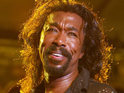 Nickolas Ashford passes away at a New York hospital after a battle with throat cancer.