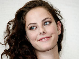 Kaya Scodelario stars as Cathy in Wuthering Heights.