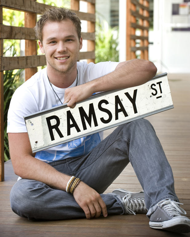 Neighbours: Lincoln Lewis