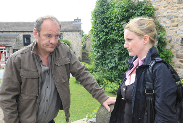 Nicola tries to convince Jimmy to move into Brook Cottage