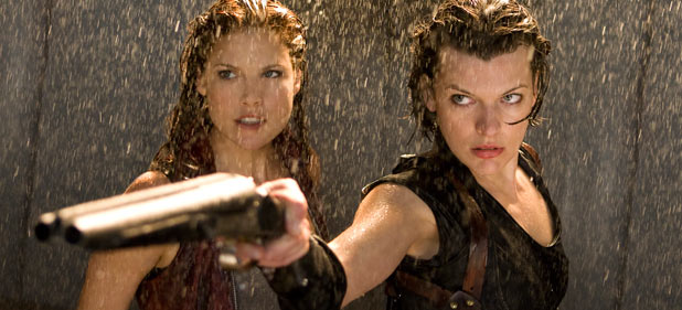 Milla Jovovich and Ali Larter in Resident Evil: Afterlife