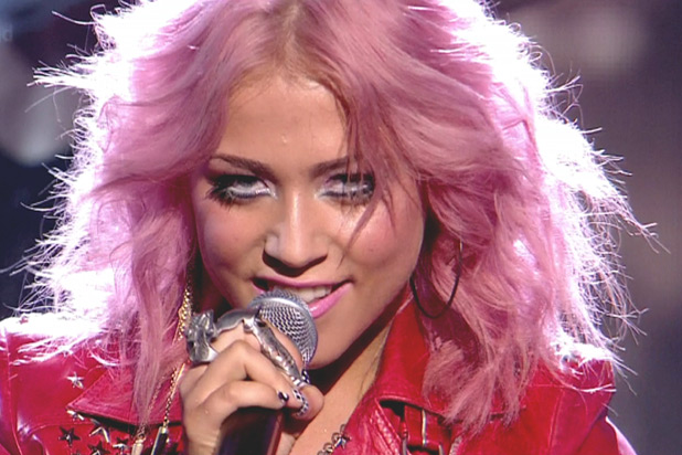 ROSA, UN COLOR MUY ILLUMINATI - Página 4 618_showbiz_pink_hair_amelia_lily
