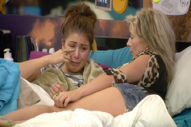 BB 2011: Day 32: Faye cries over nomination talk