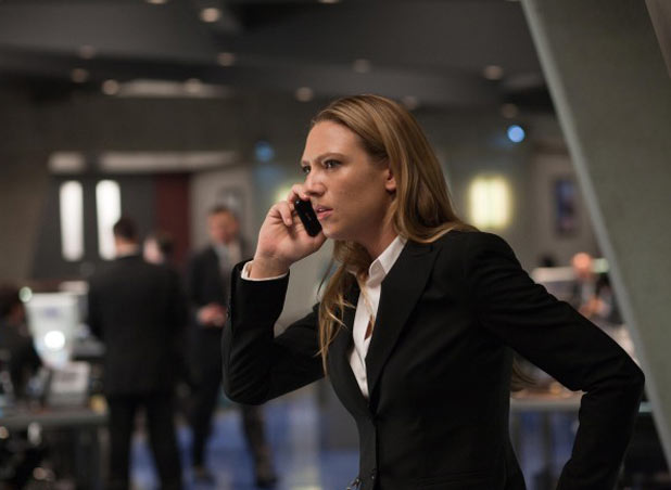 Olivia (Anna Torv)