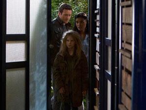 Terra Nova S01E05: 'The Runaway'