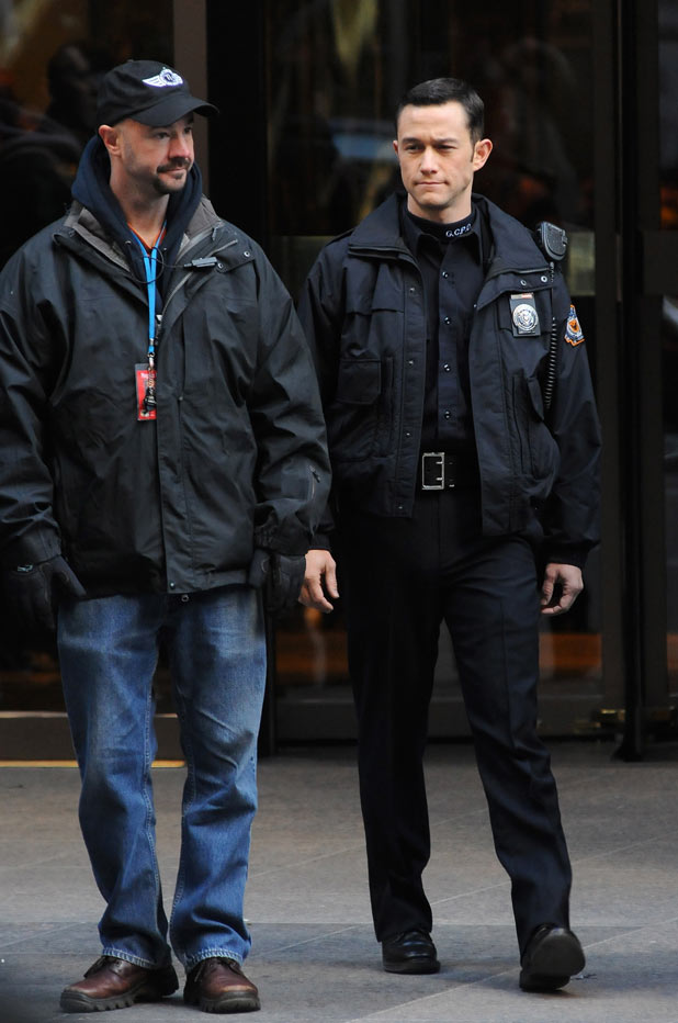 Joseph Gordon-Levitt on the set in New York