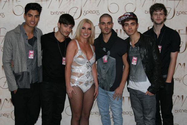 Britney Spears and The Wanted backstage