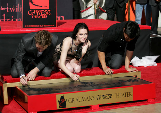 &#39;Twilight&#39; Hand and Footprint Ceremony: Robert Pattinson, Kristen Stewart and Taylor Lautner