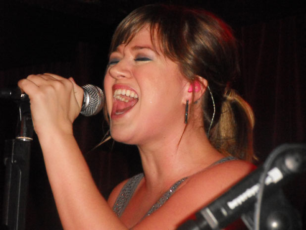 Kelly Clarkson performs at her London fan gig