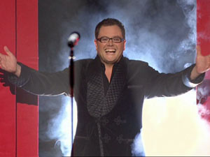 Alan Carr in Spexy Beast