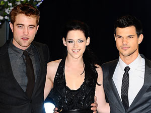 Twilight Breaking Dawn UK Premiere: Robert Pattinson, Kristen Stewart and Taylor Lautner