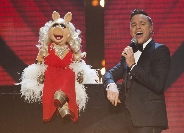 The X Factor: Olly duets with Miss Piggy