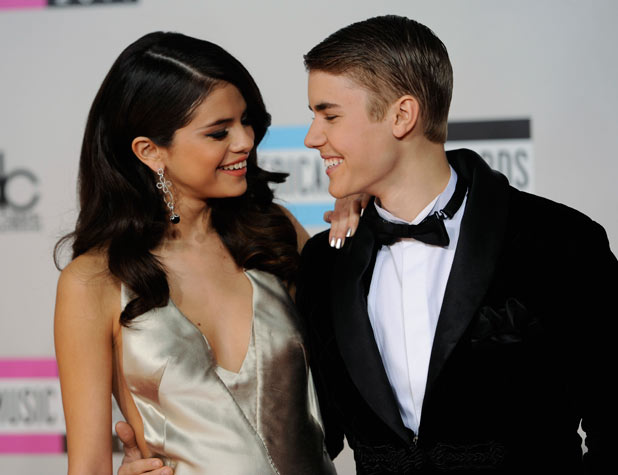 AMAs 2011 Arrivals: Selena Gomez and Justin Bieber