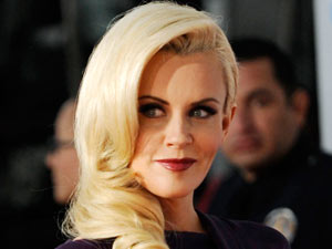 AMAs 2011 Arrivals: Jenny McCarthy