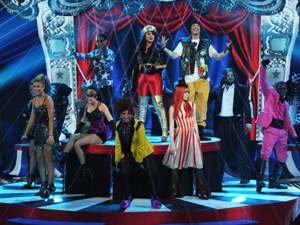 Top 9 perform together