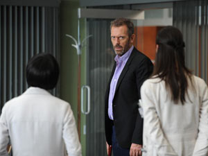 House S08E07: 'Dead and Buried'
