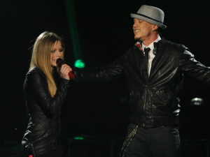 The X Factor USA Final Part 1: Avril Lavigne and Chris Rene perform