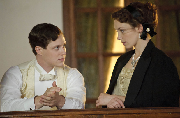 Perdita Weeks as Georgina and Noah Reid as Harry Widener.