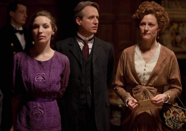 Perdita Weeks as Georgina, Linus Roache as Hugh, Earl of Manton and Geraldine Somerville as Louisa, Countess of Manton.