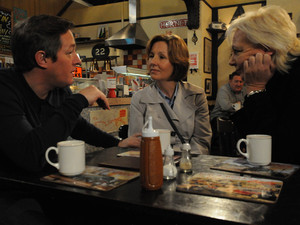 Eileen offers to look after Lesley while Paul attends a meeting with her care people