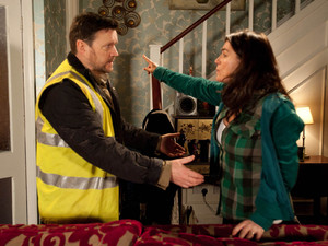 Owen apologises to Anna and admits he shouldn't have lashed out at Faye