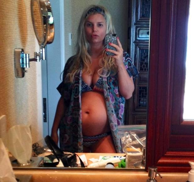 Jessica Simpson in the early stages of her pregnancy