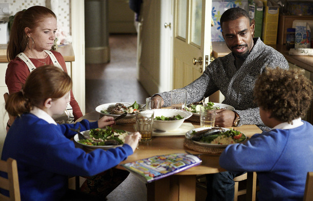 Ray cooks dinner for Bianca and the kids