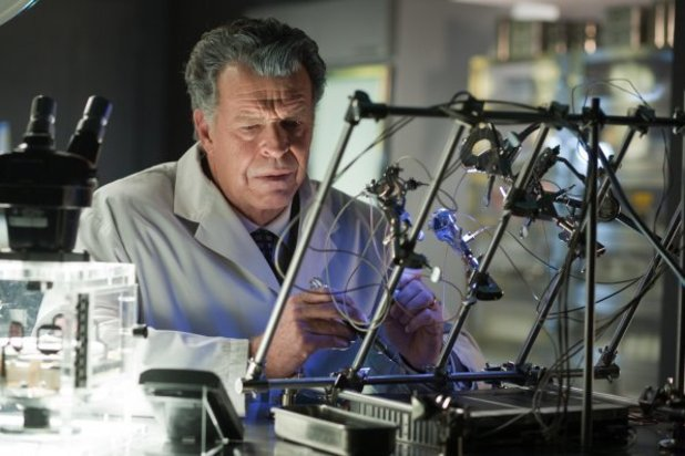 Walternate (John Noble)