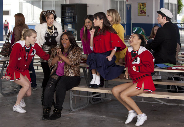 Glee S03E10: 'Yes/No'