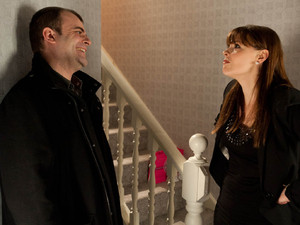 Tracy is furious when she returns home to discover that Steve has turned the flat into two separate apartments