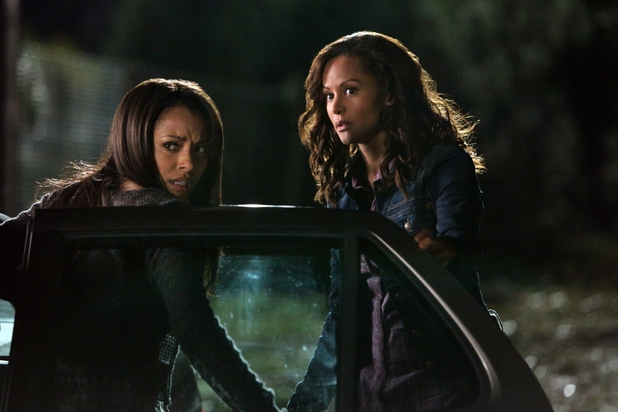 The Vampire Diaries S03E12: 'The Ties That Bind'